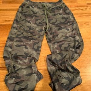 American Eagle Camo pants